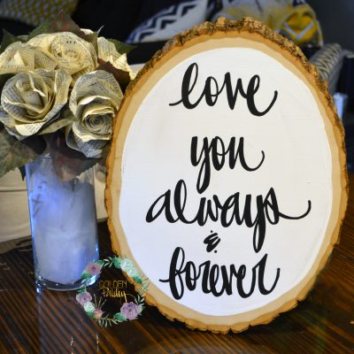 wood slice wedding decor